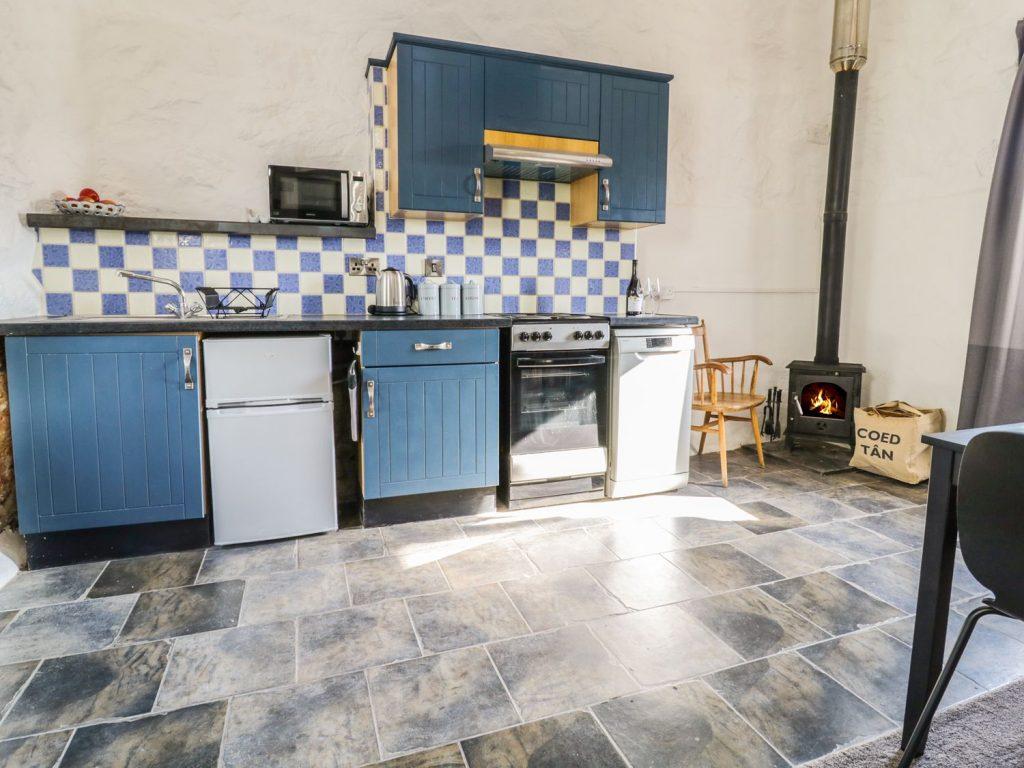 Beudy Isaf Kitchen
